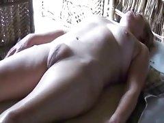 令人惊异的广泛的臀部多汁的屁股亚马逊白色 bbw。